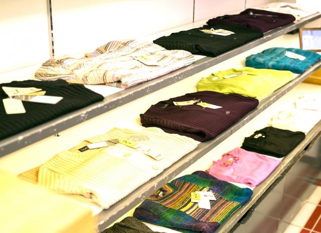 [週3日~短期もOK、人気ブランドのアパレル製品入出荷作業](北砂)